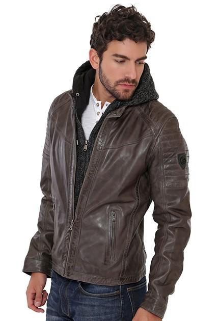 Magasin de veste en cuir liege