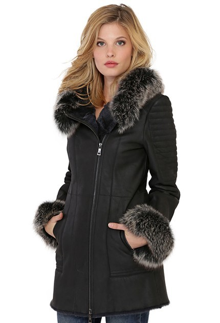 manteau col fourrure ensemble de manteau avec un col en. Black Bedroom Furniture Sets. Home Design Ideas