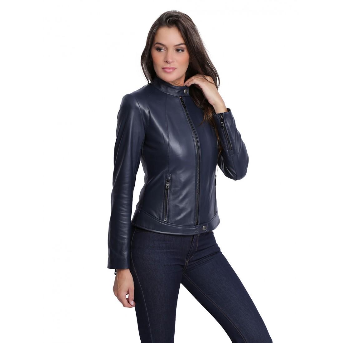 Créée en mars , la marque de veste en cuir perfecto aviateur pour homme et femme, «LADC» a su décliner une gamme de produits accessibles et de qualité, tout en gardant son propre tempérament. son propre tempérament.